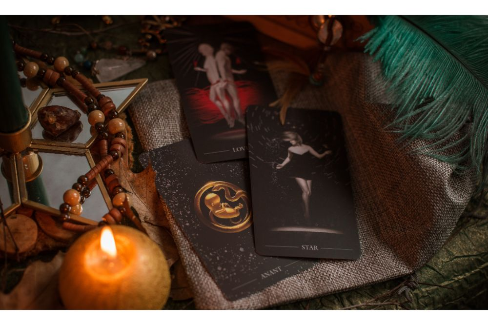 divination predictions on tarot cards and other magic