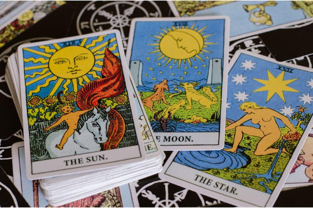 The Tarot - Card of The Sun, Moon and Star.