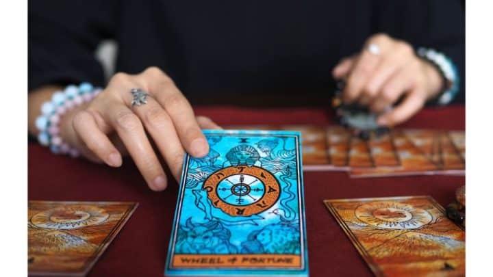How to Read a 3 Card Tarot Spread