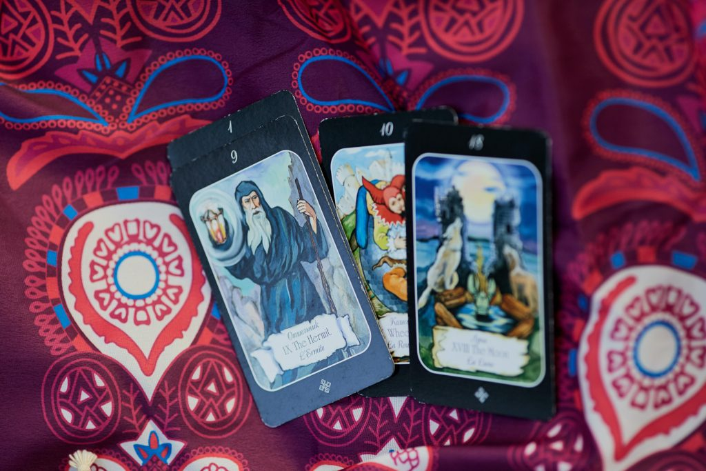 how to do yes or no readings with tarot cards