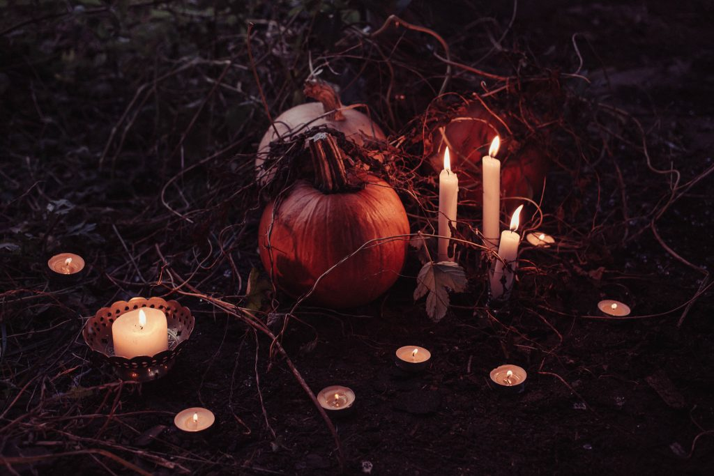 how to perform a full moon ritual