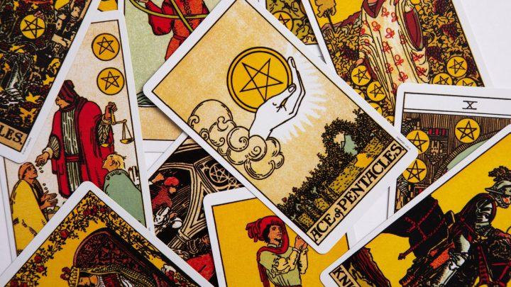 How To Get Started With Tarot: A Super Simple Beginner's Guide